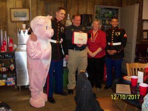 Pinkie hosts Awards